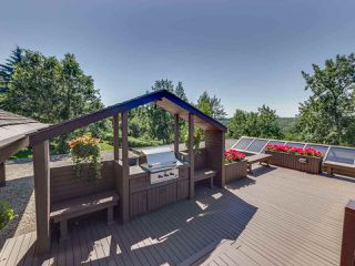 Photo 3: 5 WHITEMUD Place in Edmonton: Zone 14 House for sale : MLS®# E4089544