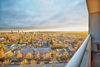 Photo 1: 1207 3920 HASTINGS Street in Burnaby: Willingdon Heights Condo for sale (Burnaby North)  : MLS®# R2226262