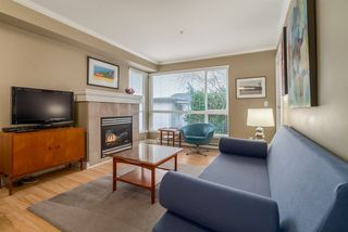 "Photo 2: 303 1617 GRANT Street in Vancouver: Grandview VE Condo for sale in ""Evergreen Place"" (Vancouver East)  : MLS®# R2232192"