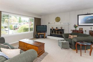Photo 2: 2165 PARKWAY Road in Squamish: Garibaldi Estates House for sale : MLS®# R2239856