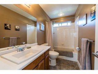 """Photo 17: 8524 212 Street in Langley: Walnut Grove House for sale in """"Forest Hills"""" : MLS®# R2261072"""