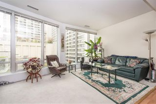 """Photo 2: 411 989 NELSON Street in Vancouver: Downtown VW Condo for sale in """"ELECTRA"""" (Vancouver West)  : MLS®# R2263009"""