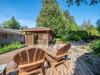 Photo 12: 7820 LOHN Road in Halfmoon Bay: Halfmn Bay Secret Cv Redroofs House for sale (Sunshine Coast)  : MLS®# R2272108