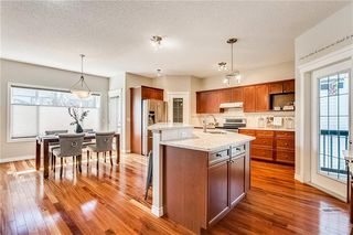 Photo 2: 14 COUGARSTONE Terrace SW in Calgary: Cougar Ridge Detached for sale : MLS®# C4201927