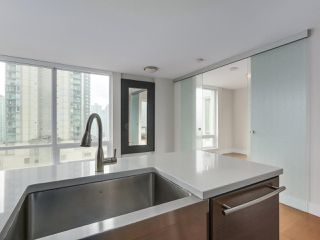 """Photo 9: 903 535 SMITHE Street in Vancouver: Downtown VW Condo for sale in """"DOLCE AT SYMPHONY PLACE"""" (Vancouver West)  : MLS®# R2301055"""