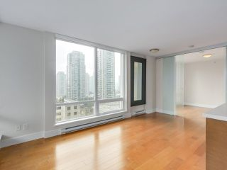 """Photo 4: 903 535 SMITHE Street in Vancouver: Downtown VW Condo for sale in """"DOLCE AT SYMPHONY PLACE"""" (Vancouver West)  : MLS®# R2301055"""
