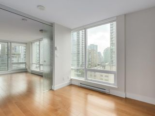 """Photo 10: 903 535 SMITHE Street in Vancouver: Downtown VW Condo for sale in """"DOLCE AT SYMPHONY PLACE"""" (Vancouver West)  : MLS®# R2301055"""