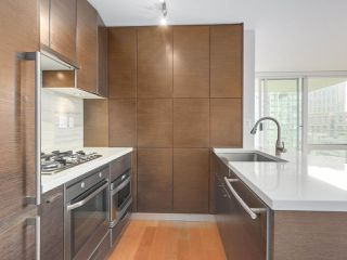 """Photo 8: 903 535 SMITHE Street in Vancouver: Downtown VW Condo for sale in """"DOLCE AT SYMPHONY PLACE"""" (Vancouver West)  : MLS®# R2301055"""