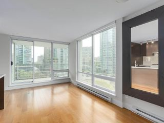 """Photo 3: 903 535 SMITHE Street in Vancouver: Downtown VW Condo for sale in """"DOLCE AT SYMPHONY PLACE"""" (Vancouver West)  : MLS®# R2301055"""