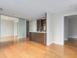 """Photo 5: 903 535 SMITHE Street in Vancouver: Downtown VW Condo for sale in """"DOLCE AT SYMPHONY PLACE"""" (Vancouver West)  : MLS®# R2301055"""