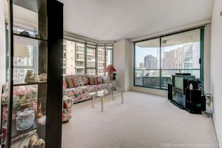 """Photo 4: 1704 888 HAMILTON Street in Vancouver: Downtown VW Condo for sale in """"ROSEDALE GARDEN"""" (Vancouver West)  : MLS®# R2304603"""
