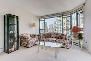 """Photo 5: 1704 888 HAMILTON Street in Vancouver: Downtown VW Condo for sale in """"ROSEDALE GARDEN"""" (Vancouver West)  : MLS®# R2304603"""