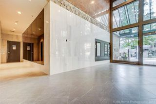 """Photo 3: 1704 888 HAMILTON Street in Vancouver: Downtown VW Condo for sale in """"ROSEDALE GARDEN"""" (Vancouver West)  : MLS®# R2304603"""