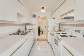 """Photo 10: 1704 888 HAMILTON Street in Vancouver: Downtown VW Condo for sale in """"ROSEDALE GARDEN"""" (Vancouver West)  : MLS®# R2304603"""