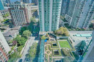 """Photo 6: 1704 888 HAMILTON Street in Vancouver: Downtown VW Condo for sale in """"ROSEDALE GARDEN"""" (Vancouver West)  : MLS®# R2304603"""