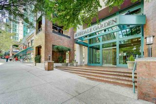 """Photo 2: 1704 888 HAMILTON Street in Vancouver: Downtown VW Condo for sale in """"ROSEDALE GARDEN"""" (Vancouver West)  : MLS®# R2304603"""