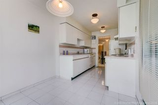 """Photo 9: 1704 888 HAMILTON Street in Vancouver: Downtown VW Condo for sale in """"ROSEDALE GARDEN"""" (Vancouver West)  : MLS®# R2304603"""