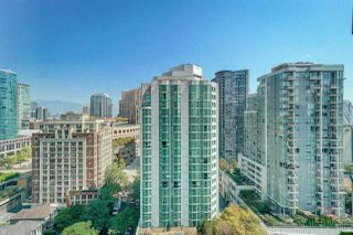 """Photo 7: 1704 888 HAMILTON Street in Vancouver: Downtown VW Condo for sale in """"ROSEDALE GARDEN"""" (Vancouver West)  : MLS®# R2304603"""