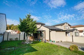 Photo 2: 7693 125 Street in Surrey: West Newton House for sale : MLS®# R2319603
