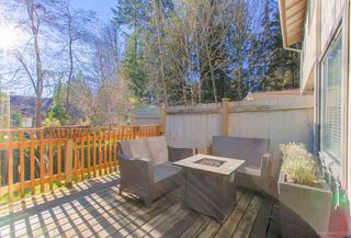 Photo 3: 805 ALEXANDER Bay in Port Moody: North Shore Pt Moody Townhouse for sale : MLS®# R2333040
