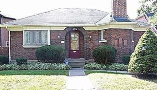 Main Photo: 7 Windley Avenue in Toronto: Humewood-Cedarvale House (Bungalow) for lease (Toronto C03)  : MLS®# C4348209