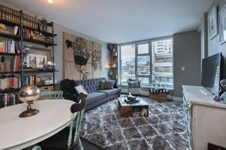 Main Photo: 217 150 W 15 Street in North Vancouver: Central Lonsdale Condo for sale : MLS®# R2340454