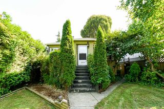 Photo 2: 3150 GRANT Street in Vancouver: Renfrew VE House for sale (Vancouver East)  : MLS®# R2341954