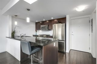 "Photo 3: PH12 1288 CHESTERFIELD Avenue in North Vancouver: Central Lonsdale Condo for sale in ""ALINA"" : MLS®# R2344472"