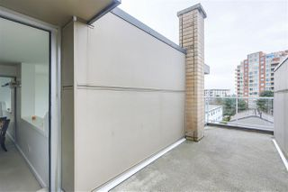 """Photo 17: PH12 1288 CHESTERFIELD Avenue in North Vancouver: Central Lonsdale Condo for sale in """"ALINA"""" : MLS®# R2344472"""