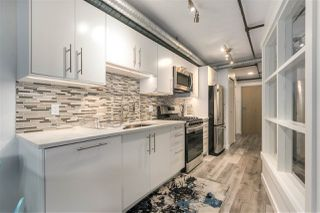 """Photo 3: 705 27 ALEXANDER Street in Vancouver: Downtown VE Condo for sale in """"The Alexis"""" (Vancouver East)  : MLS®# R2345548"""