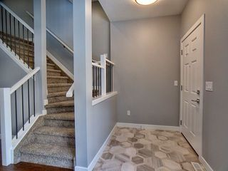 Photo 2: 13913 102 Avenue in Edmonton: Zone 11 House for sale : MLS®# E4146106