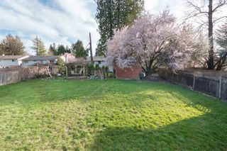 Photo 19: 14838 90 Avenue in Surrey: Bear Creek Green Timbers House for sale : MLS®# R2361592