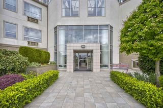 "Photo 18: 421 2626 COUNTESS Street in Abbotsford: Abbotsford West Condo for sale in ""The Wedgewood"" : MLS®# R2363114"