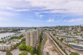 "Photo 16: 2211 988 QUAYSIDE Drive in New Westminster: Quay Condo for sale in ""RIVERSKY 2"" : MLS®# R2368700"