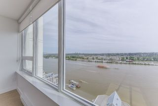 "Photo 7: 2211 988 QUAYSIDE Drive in New Westminster: Quay Condo for sale in ""RIVERSKY 2"" : MLS®# R2368700"