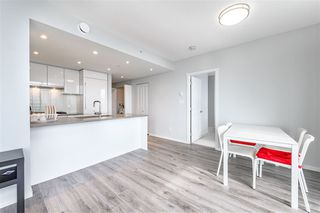 Photo 7: 1401 6638 DUNBLANE Avenue in Burnaby: Metrotown Condo for sale (Burnaby South)  : MLS®# R2370661