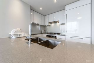 Photo 6: 1401 6638 DUNBLANE Avenue in Burnaby: Metrotown Condo for sale (Burnaby South)  : MLS®# R2370661