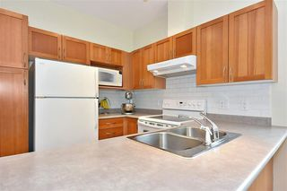"""Photo 6: 42 8415 CUMBERLAND Place in Burnaby: The Crest Townhouse for sale in """"THE ASHCOMBE"""" (Burnaby East)  : MLS®# R2376553"""