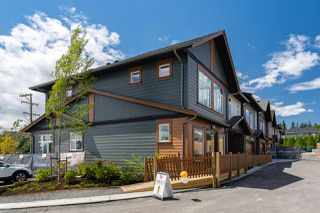 """Main Photo: 24 17033 FRASER Highway in Surrey: Fleetwood Tynehead Townhouse for sale in """"Liberty at Fleetwood"""" : MLS®# R2386246"""