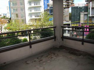 "Photo 18: 207 1208 BIDWELL Street in Vancouver: West End VW Condo for sale in ""Baybreeze"" (Vancouver West)  : MLS®# R2409529"