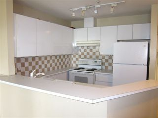 "Photo 10: 207 1208 BIDWELL Street in Vancouver: West End VW Condo for sale in ""Baybreeze"" (Vancouver West)  : MLS®# R2409529"