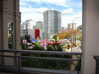 "Photo 19: 207 1208 BIDWELL Street in Vancouver: West End VW Condo for sale in ""Baybreeze"" (Vancouver West)  : MLS®# R2409529"