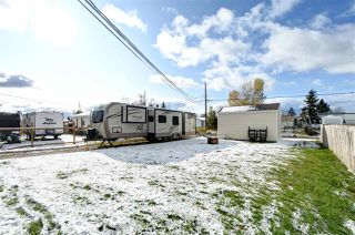 """Photo 21: 8908 75 Street in Fort St. John: Fort St. John - City SE Manufactured Home for sale in """"SOUTH ANNEOFIELD"""" (Fort St. John (Zone 60))  : MLS®# R2412701"""
