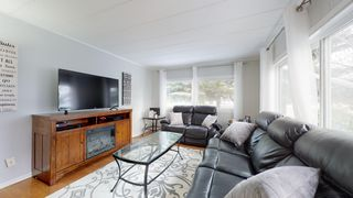 """Photo 16: 8908 75 Street in Fort St. John: Fort St. John - City SE Manufactured Home for sale in """"SOUTH ANNEOFIELD"""" (Fort St. John (Zone 60))  : MLS®# R2412701"""