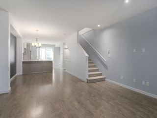 "Photo 3: 27 6450 187 Street in Surrey: Cloverdale BC Townhouse for sale in ""Hillcrest"" (Cloverdale)  : MLS®# R2421299"