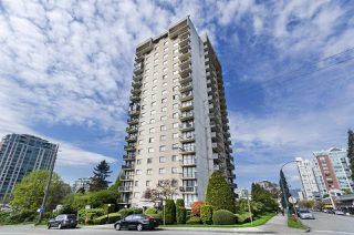 "Main Photo: 1804 145 ST. GEORGES Avenue in North Vancouver: Lower Lonsdale Condo for sale in ""Talisman Tower"" : MLS®# R2426271"