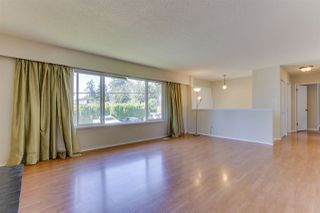 Photo 6: 7310 CATHERWOOD Street in Mission: Mission BC House for sale : MLS®# R2487299