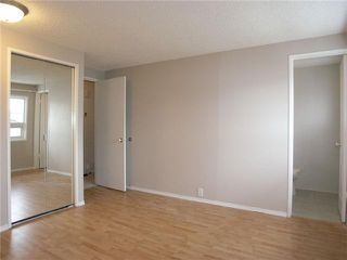 Photo 7: 2015 65 Street NE in CALGARY: Pineridge Residential Detached Single Family for sale (Calgary)  : MLS®# C3469150