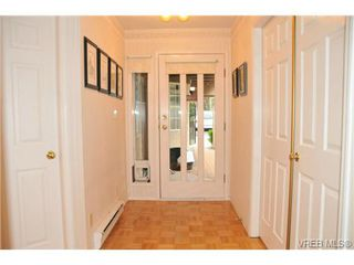 Photo 2: 20 901 Kentwood Lane in VICTORIA: SE Broadmead Townhouse for sale (Saanich East)  : MLS®# 329008