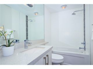 """Photo 5: 205 3715 COMMERCIAL Street in Vancouver: Victoria VE Townhouse for sale in """"O2"""" (Vancouver East)  : MLS®# V1032574"""